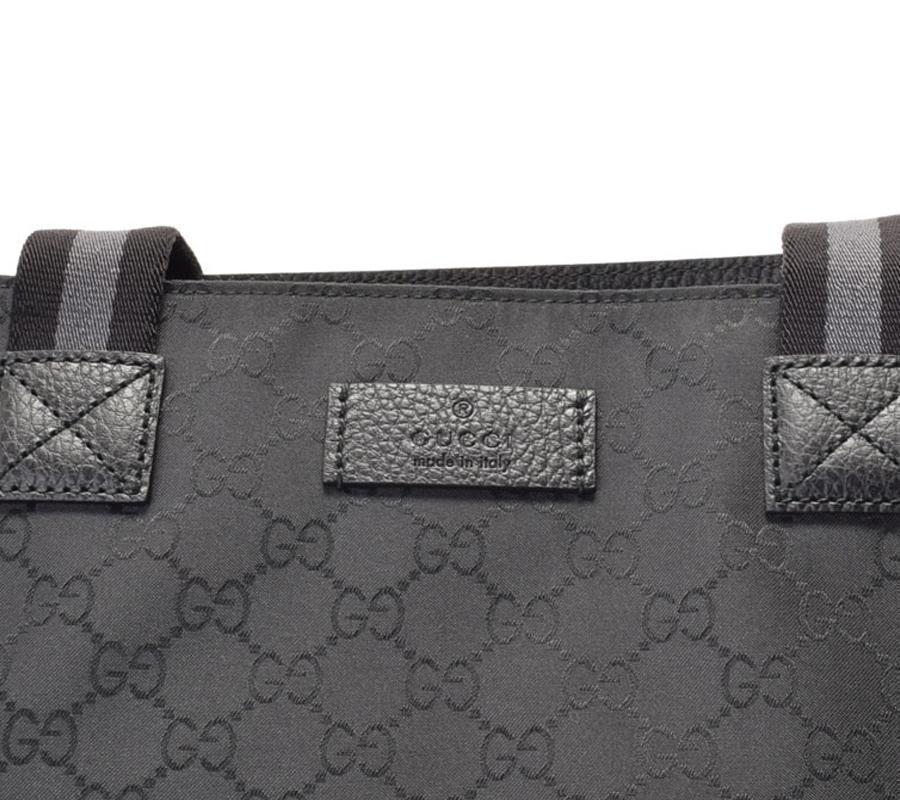 d7bf5315e6 Gucci Unisex Black GG Nylon Canvas Web Viaggio Collection Tote Bag 449176